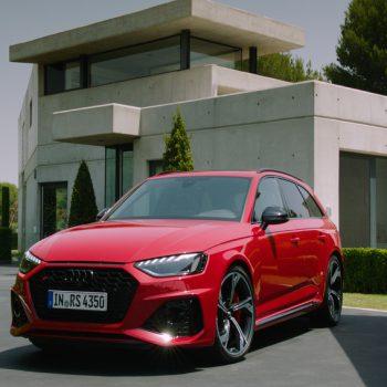 Carro Audi vermelho